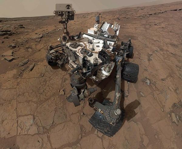 За этот короткий срок аппарат уже успел сделать немало открытий и нашел на Марсе место, где в древности могла существовать жизнь.