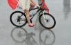 Леди не соревнуются на скорость. Экспертное жюри оценивало оригинальность их образа, соответствие теме велопарада и городской среде.