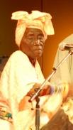 Би Кидуде была самой известной певицей Восточной Африки, уникальной в своем роде исполнительницей такого редкого музыкального жанра как «тарааба», который зародился в XIX веке на острове Занзибар. С 2006 года она стала известной и в западных странах благо