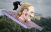 Участник команды «Global Point» Александр Кириков прыгает с трамплина на фестивале самодельных летательных аппаратов Red Bull Flugtag