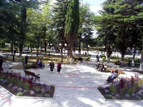 2007 г.  Перед началом грузино-осетинского конфликта в 1990-х годах, большая часть грузинского населения покинула город.