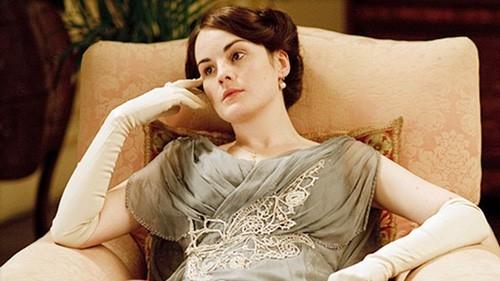 Дочь графа Грэнтема, Кроули — главная героиня британского сериала «Аббатство Даунтон» с состоянием в 1,1 миллиарда долларов заняла 14-е место Сериал вошел в Книгу рекордов Гиннеса как самый обсуждаемый в истории.
