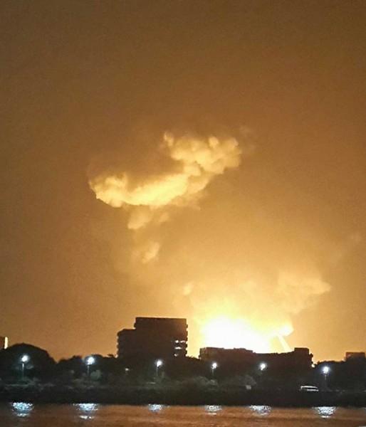 Министр обороны Индии Аракапарамбил Куриен Энтони выступил с заявлением, что ни одного члена экипажа взорвавшейся в порту Мумбаи субмарины «Синдуракшак» спасти не удалось.