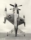 Lockheed XFV «The Salmon», экспериментальный прототип истребителя сопровождения с возможностью взлёта «с хвоста» (1953 год)