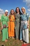 Участники фестиваля были одеты в аутентичную одежду, соответствующую реставрируемой эпохи.