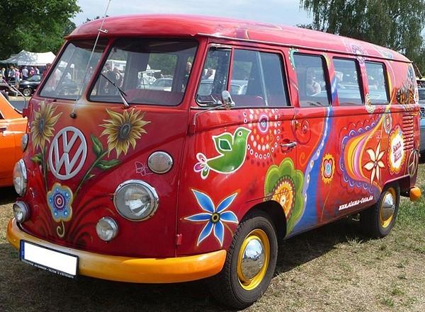 Хиппи-мобиль Volkswagen Transporter