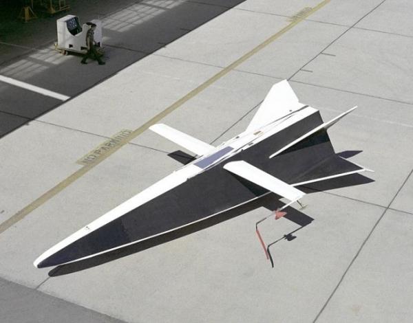 Hyper III – полноразмерный дистанционно управляемый самолёт, построенный в Центре изучения полётов NASA в 1969 году.