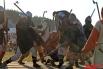 Непосредственно реконструкция битвы «Строй на строй» состоялась на площадке «Ристалище», где затем прошли показательные выступления лучников и воинов.