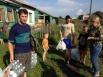 «По приезду в посёлок возникло некоторое недопонимание с местным штабом МЧС и администрацией, так как завоз гуманитарной помощи не был согласован с ними, несмотря на то, что в предыдущий день мы говорили о нашем приезде, но, видимо, недопоняли друг друга.