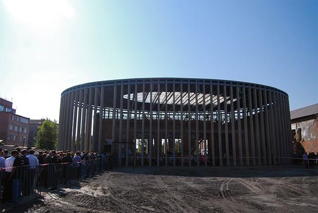 В данный момент на территории бывшей школы №1 на улице Коминтерна, 99, в Беслане идёт строительство мемориального комплекса в память о жертвах теракта. Автором проекта является Стефан Губель.