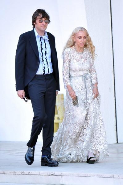 Итальянский художник Франческо Веззоли и  главный редактор Vogue Франка Соццани