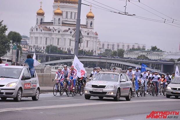 В нем приняли участие 200 велосипедистов не только из России, но и из зарубежа.