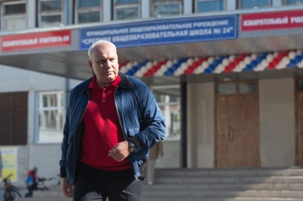 На выборах главы Хакасии с результатом 63,76% победу одержал временно исполняющий обязанности главы региона Виктор Зимин. Представитель партии ЛДПР Виктор Соболев, набрав 10,05% голосов, показал второй результат.