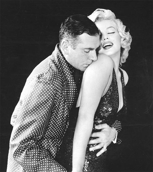 Одним из ключевых эпизодов в карьере Мэрилин Монро стали съемки в фильме «Принц и танцовщица», экранизации произведения Теренса Реттигена «Спящий принц». По мотивам событий на съемочной площадке позже была снята драма «7 дней и ночей с Мэрилин», в которой