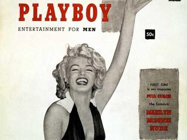 На обложке первого в истории номера журнала Playboy, вышедшего в декабре 1953, изображена Мэрилин Монро. Известно, что актриса никогда не позировала для этого издания, а фотографии использовались по лицензии.