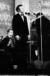 Исполнительская манера Кобзона - бельканто с поэтическими акцентами в лирике - сформировалась в шестидесятых годах. В тот же период он стал лауреатом Всероссийского конкурса артистов эстрады и других премий.