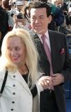С 1971 года Иосиф Кобзон женат на Нинель Дризиной. Это третий брак артиста - ранее он состоял в отношениях с певицей Вероникой Кругловой и актрисой Людмилой Гурченко. На фото: Иосиф Кобзон с женой Нинель.