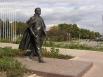 В конце августа 2003 года на площади у Дворца молодёжи «Юность» в Донецке был открыт прижизненный памятник Иосифу Кобзону, родившемуся в Донецкой области. Певец сам присутствовал на открытии монумента, автором которого стал Александр Рукавишников, создавш