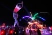 На фестивале Burning Man также популярны различные световые шоу и представления.