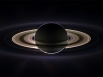 Впрочем, основной задачей «Кассини» стало исследование Сатурна, а также его спутников. На фотографии изображен Сатурн в период солнечного затмения.