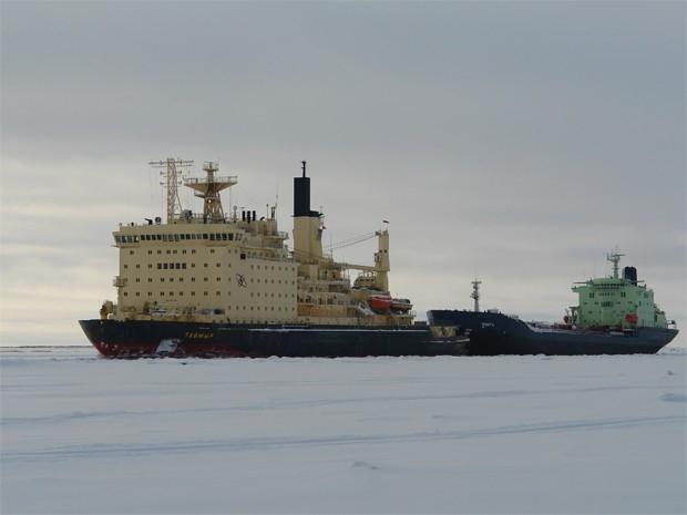 В 1989 году на воду был спущен атомный ледокол «Таймыр», построенный на финской судоверфи по заказу Советского Союза. Впрочем, оборудован ледокол был советскими приборами, а при его призводстве использовалась советская сталь. Мощность силовой установки «Т