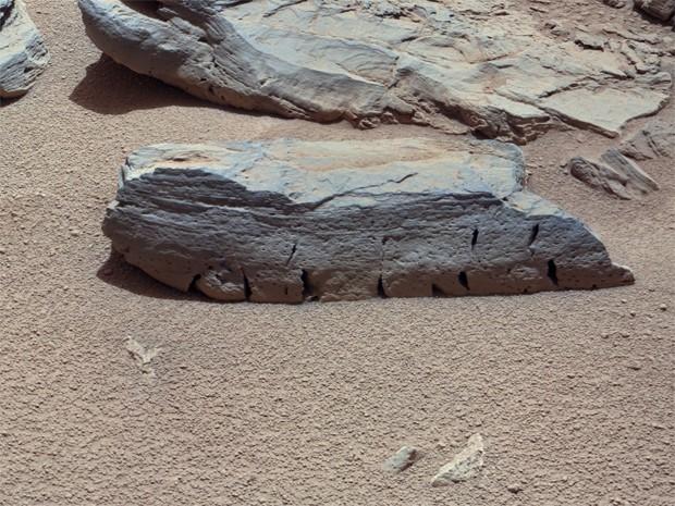Фотография поверхности Марса с высоты полутора метров, переданная на Землю аппаратом «Кьюриосити».