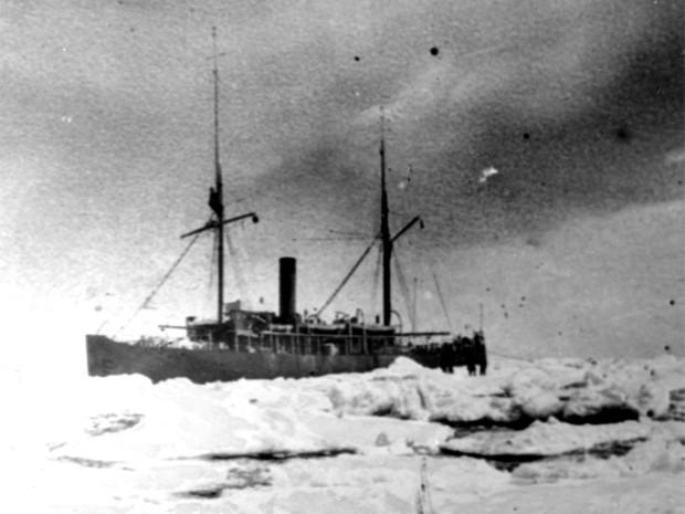Ледокол «Таймыр». Это судно было построено в 1909 году на Невском судостроительном заводе, после чего использовалось в рамках экспедиции в Северном Ледовитом океане. Во время Первой мировой войны ледокол использовался в качестве военного судна, для чего б