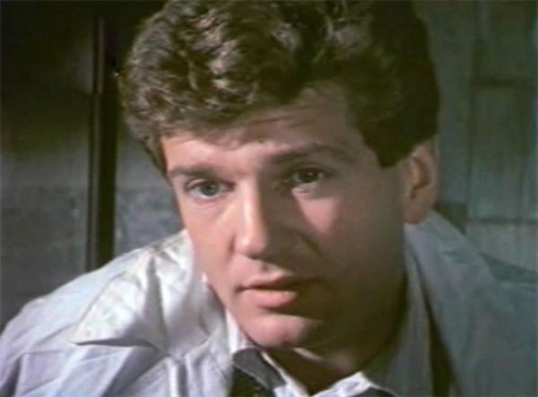 Важной вехой в карьере Игоря Костолевского стал фильм «Законный брак», поставленный Альбертом Мкртчяном. Эта мелодрама вышла на экраны в 1985 году и сразу снискал любовь зрителей, по результатам опросов которых издание «Советский экран» признало картину лучшей.