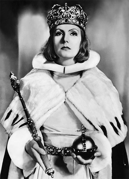 Фильм «Королева Кристина» является одной из ключевых голливудских картин того времени, поскольку оказался сред последних проектов, завершённых до вступления в силу кодекса Хейса, фактически наложившего запрет на спорные и провокационные темы в американском кино.