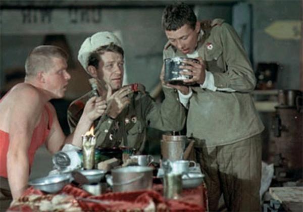 В трагикомедии о Великой Отечественной войне Кокшенов сыграл ефрейтора Захара Косых.