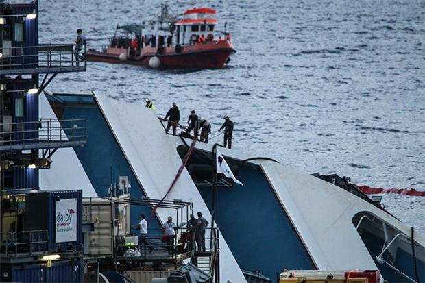 Стоимость программы по ликвидации лайнера, по предварительным данным, составит около €500 млн, однако в первый же день появились слухи о том, что общая стоимость проекта достигнет €600 млн. Все расходы будут оплачены страховыми компаниями, а также владель