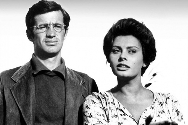 Спустя несколько лет Витторио Де Сика удалось в полной мере раскрыть талант Софи Лорен - она сыграла главную роль в военной драме «Чочара», снятой по книге Альберто Моравиа. Картина получила «Золотой Глобус» в номинации Лучший фильм на иностранном языке.