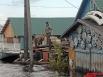 Жители стараются держать под контролем уцелевшие вещи и постройки.