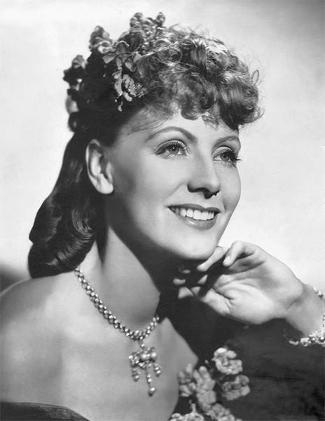 В 1935 году Грета Гарбо вернулась к роли Анны Карениной, сыгранной ещё восемь лет назад в немом фильме «Любовь». За роль в этом фильме Гарбо получила награду Кинокритиков Нью-Йорка в номинации «Главная женская роль».