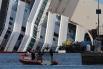 Затем планируется поместить корабль на искусственную подводную платформу, чтобы получить возможность контролировать положение лайнера.