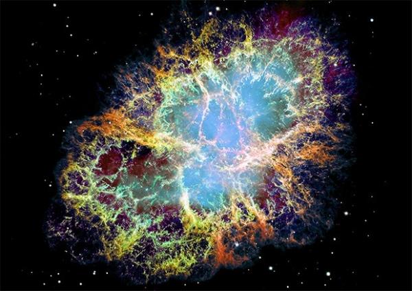 Крабовидная туманность, остаток от сверхновой SN 1054. Расположена на расстоянии около 6500 тысяч световых лет от Земли. В центре туманности располагается пульсар. Эту туманность выступает в качестве источника излучения для изучения небесных тел, которые