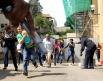 Освобожденные заложники покидают торговый центр Westgate.