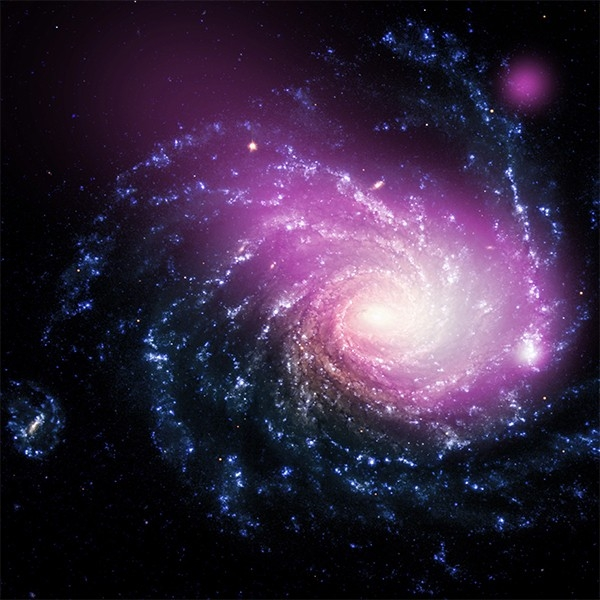 Спиральная галактика NGC 1232. Расположена в созвездии Эридан, открыта Уильямом Гершелем в 1784 году. Около 60 миллионов световых лет от Земли. Фото сделано телескопом «Чандра».