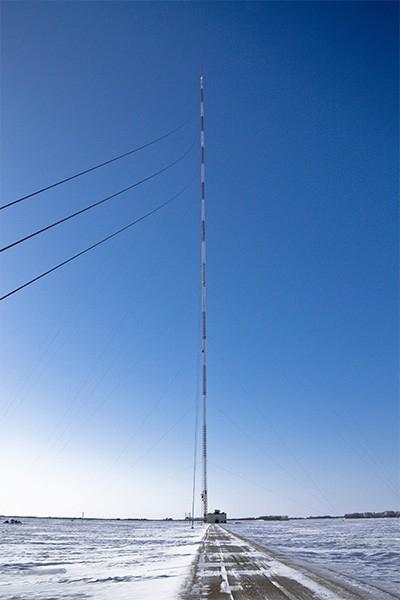 Радиомачта KVLY-TV (628,8 м). Эта телерадиоматча была возведена в городе Бланшар, Северная Дакота в 1963 году и вплоть до 2011 года оставалась самой высокой телерадиомачтой в мире, а до 1974 года - самым высоким сооружением в истории человечества.