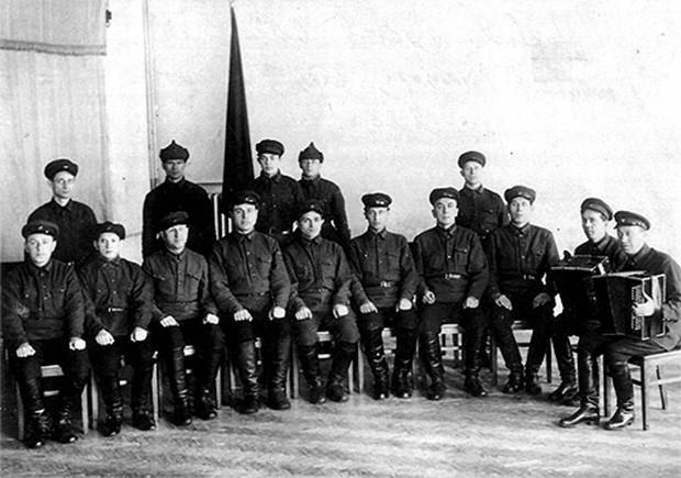 Первый состав ансамбля. 1928-1929 годы.