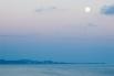 Луна в небе над Сочи.