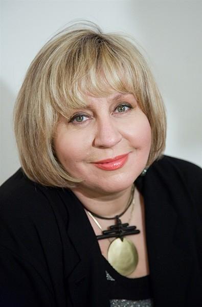 За свою карьеру Марина Голуб была удостоена Орденом Дружбы («за большие заслуги в развитии отечественной культуры и искусства и многолетнюю плодотворную деятельность»), а в декабре 1995 года получила звание Заслуженного артиста РФ.