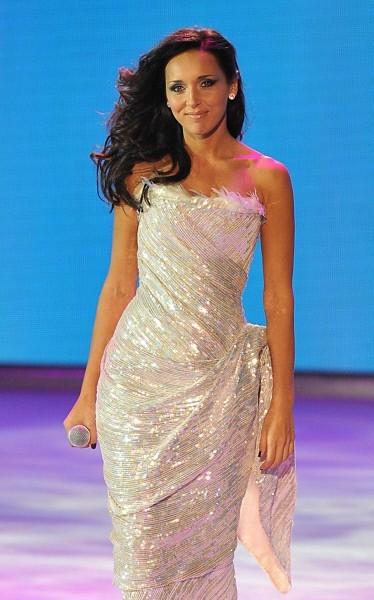 Алсу дала концерт в платье от Валенитна Юдашкина.