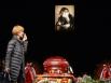 Фотография Ольги Аросевой была установлена в фойе театра, от нее тянулась очередь из желающих проститься с актрисой.