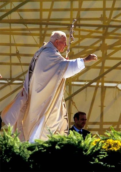 Иоанн Павел II в Нью Йорке в 1995 году.