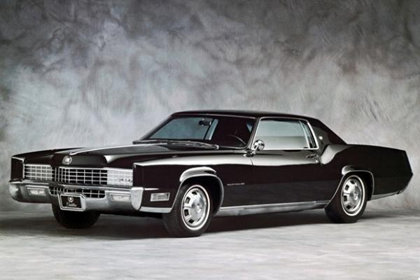В 1972 году президент США Ричард Никсон подарил Леониду Брежневу Cadillac Eldorado, который был доставлен в Москву транспортным самолётом американских ВВС.