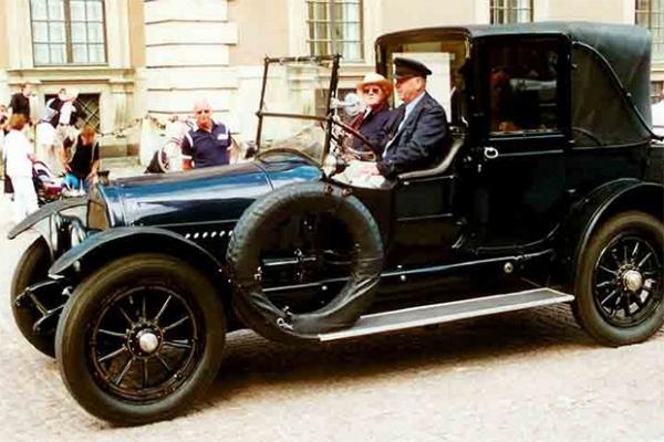 Cadillac 57 V8 Town Car 1918 года выпуска. На таком автомобиле ездил 28-й президент США Вудро Вильсон.