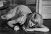 Следующей яркой работой Денёв стала роль Кэрол Леду в англоязычном дебюте Романа Полански «Отвращение». Эта картина стала одной из самых значимых работ режиссёра, а сам фильм был удостоен двух наград Берлинского кинофестиваля.
