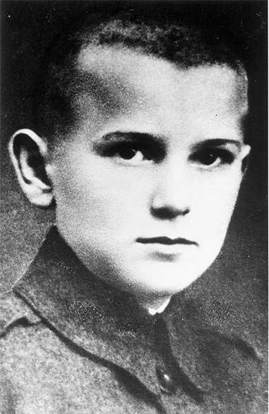 Иоанн Павел II в возрасте десяти лет. 25 июля 1930 года.