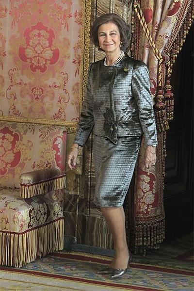У королевы Софии и короля Хуана Карлоса трое детей: инфанта Елена, герцогиня де Луго (р. 1963), инфанта Кристина, герцогиня Пальма-де-Майоркская (р. 1965) и наследник престола принц Астурийский Фелипе (р. 1968). На фото: королева София, октябрь 2013 года.